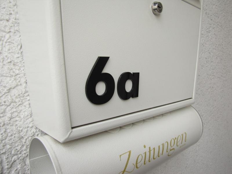 zahlen und buchstaben aus plexiglas 65mm oder 100mm hoch div farben. Black Bedroom Furniture Sets. Home Design Ideas